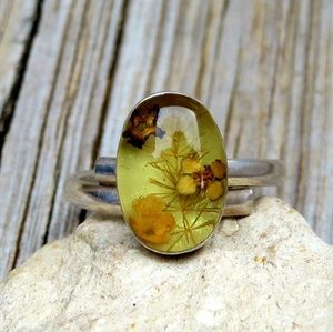 Vintage 1970s 925 Real Dried Flowers & Resin Ring